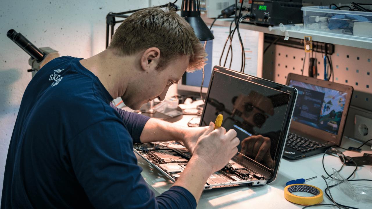 Ремонт ноутбуків Dream Machines