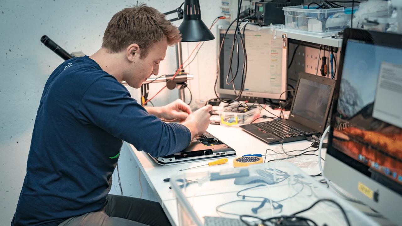 SKELETON: ремонт техники APPLE